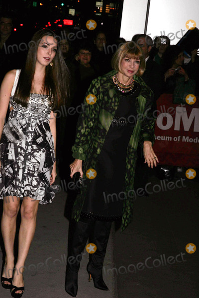 Anna Wintour, Baz Luhrmann, BEE SCHAFFER Photo - Moma Film Benefit a Tribute to Baz Luhrmann at the Museum of Modern Art in New York City 11-10-2008 Photo by Rick Mackler-rangefinder-Globe Photos, Inc. Anna Wintour and Daughter, Bee Schaffer