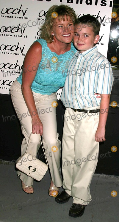 Judi Evans, Judi Evans-Luciano, Austin Luciano Photo - Occhi Eye Boutique Grand Opening Hosted by Lorenzo Randisi Occhi, West Hollywood, CA 08-30-2005 Photo: Clinton H.wallace-ipol-Globe Photos Inc Judi Evans Luciano and Son Austin Luciano