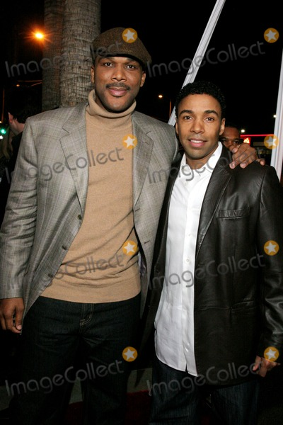"Allen Payne, Tyler Perry Photo - ""daddy's Little Girl"" Los Angeles Premiere Cinerama Dome, Hollywood, CA 02-07-2007 Tyler Perry - Writer/director/producer and Allen Payne Photo: Clinton H. Wallace-photomundo-Globe Photos Inc"