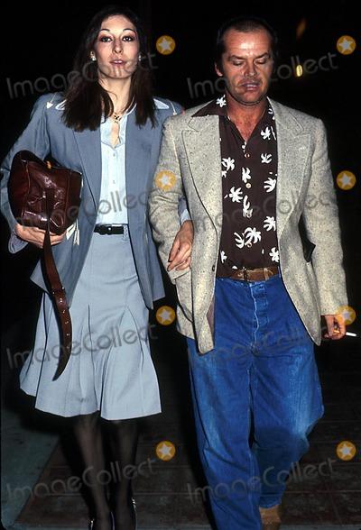"Angelica Huston, Jack Nicholson, The Locust, Jackée Photo - /21/75 ""Day of the Locust"" Premiere Phil Roach / Ipol/ Globe Photos Inc. I1137pr Jack Nicholson & Angelica Huston Jack Nicholson Retro"