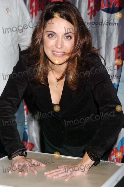 "Alanna Ubach Photo - Stars From the Movie ""Waiting"" Donate Memorabilia and Imprint Their Hands For Display at Planet Hollywood Times Square New York City 10-06-2005 Photo by John Krondes-Globe Photos 2005 Alanna Ubach"