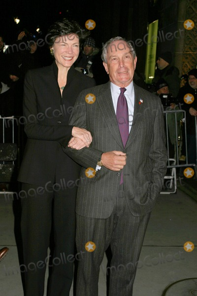 Michael Bloomberg, DIANA TAYLOR, Michael Taylor, Michael Bublé, Michael Paré Photo - Michael Bloomberg and Diana Taylor 2006 National Board of Review Gala at Cipriani's East42nd Street 01-09-2007 Photo by Paul Schmulbach-Globe Photos, Inc.