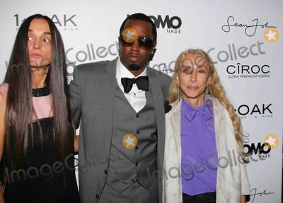 """Diddy, Diddy Combs, P. Diddy, P. Diddy Combs, Sean """"P. Diddy"""" Combs, Sean 'P. Diddy' Combs, Sean P Diddy Combs, """"Diddy"""" Combs, """"P. Diddy"""" Combs, Sean """"Diddy"""" Combs, Sean 'Diddy' Combs, Sean Diddy Combs, P Diddy, Editors, Franca Sozzani Photo - K60161RMA COCKTAIL PARTY  AT 1 OAK TO CELEBRATE SEAN """"DIDDY"""" COMBS APPEARANCE ON THE """"BLACK ON BLACK"""" COVER OF L'UOMO VOGUE'S OCTOBER MUSIC ISSUE IN NEW YORK CITY 10-22-2008PHOTOS BY RICK MACKLER RANGEFINDER-GLOBE PHOTOS INC.2008RUSKA BERGMAN ( L'UOMO VOGUE  EDITOR) , SEAN """"DIDDY"""" COMBS AND FRANCA SOZZANI {EDITOR IN CHIEF L'UOMO VOGUE)"""