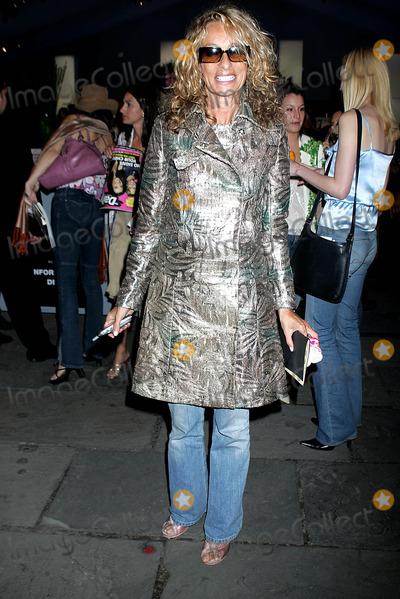 Ann Jones, Diane Von Furstenberg, Anne Jones Photo - Olympus Fashion Week: Diane Von Furstenberg Spring 2005 Collection - Celebs. Bryant Park, New York City. 09/12/2004 Photo: Rick Mackler / Rangefinders / Globe Photos Inc 2004 Ann Jones