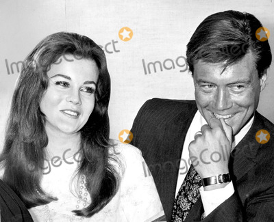 Ann-Margret, Roger Smith Photo - Wedding Ann Margret and Roger Smith Photo By:gilloon/Globe Photos, Inc